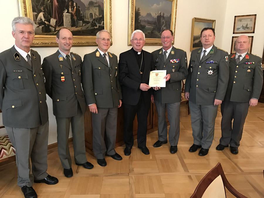 Die Abordnung der OG Salzburg bei seiner Exzellenz Herrn Erzbischof Dr. Franz Lackner