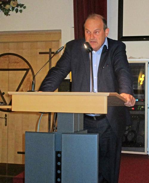 Dr. Müller bei seinem Vortrag vor der Offiziersgesellschaft Salzburg