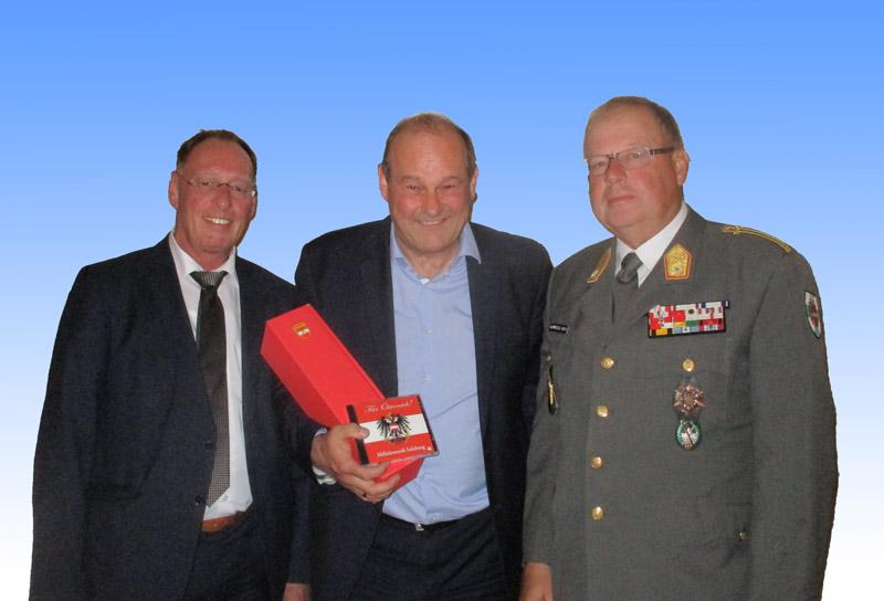 Oberst Dr. Erwinn Seeauer, MinR Dr. Thomas Müller, MilKdt Bgdr Heinz Hufler